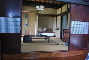 飾り棚の和室